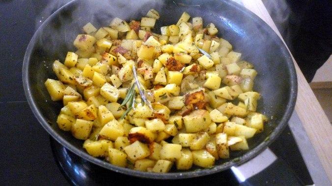 rote-betegemuserohgebratene-kartoffelnguacamolevegetarisch-12