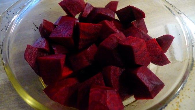 rote-betegemuserohgebratene-kartoffelnguacamolevegetarisch-2