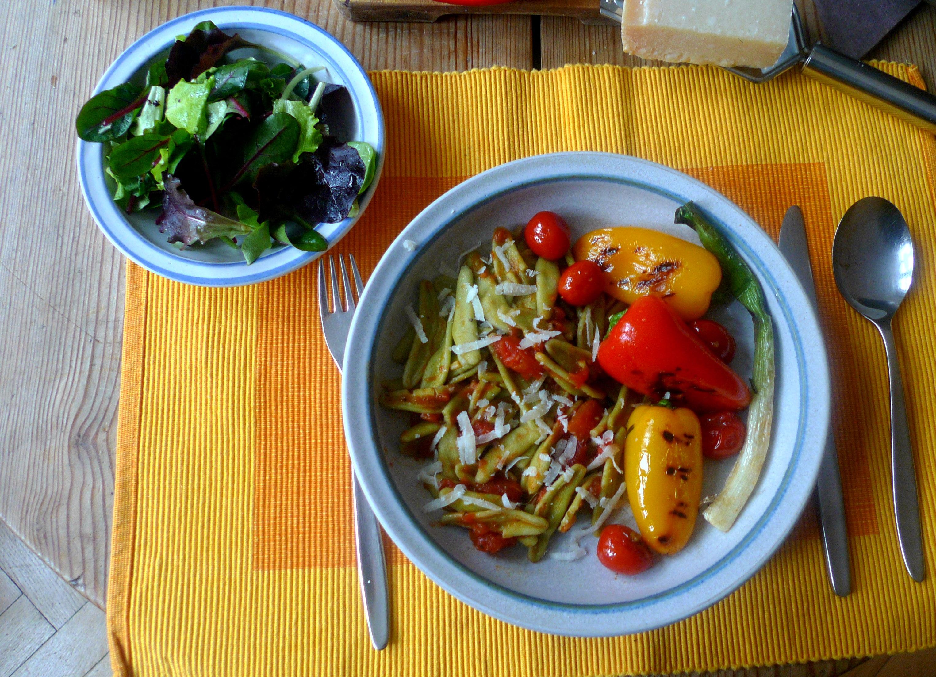 spinatnudelntomatensugopflucksalat-1