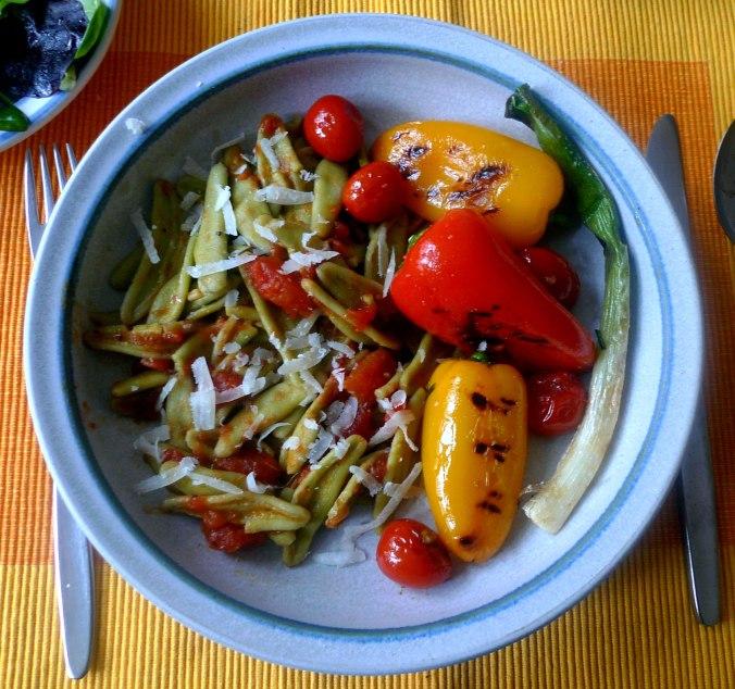 spinatnudelntomatensugopflucksalat-2