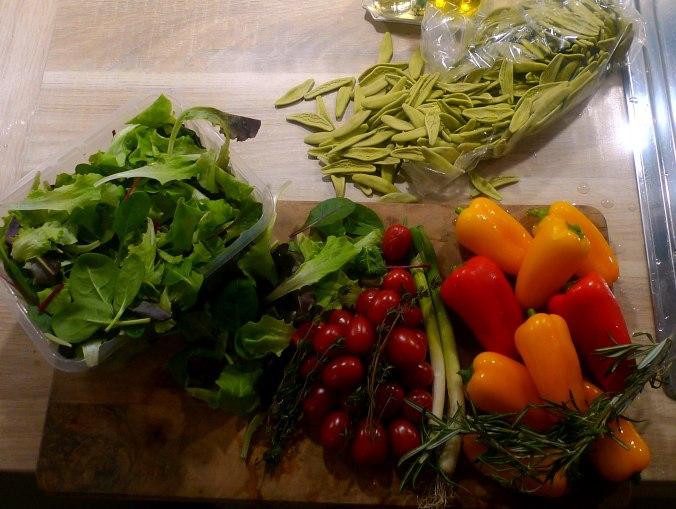 spinatnudelntomatensugopflucksalat-4