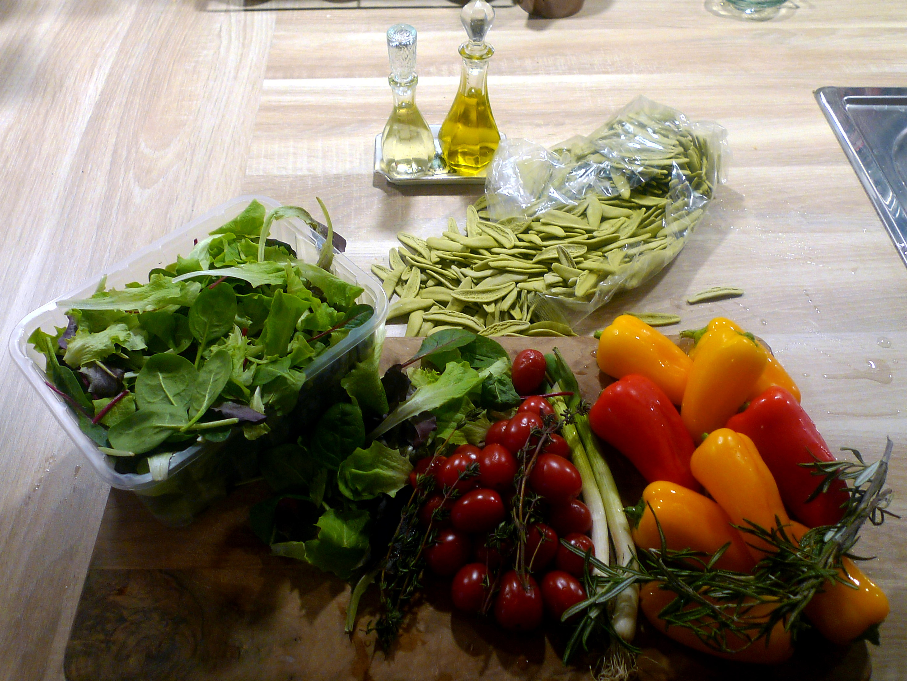 spinatnudelntomatensugopflucksalat-5
