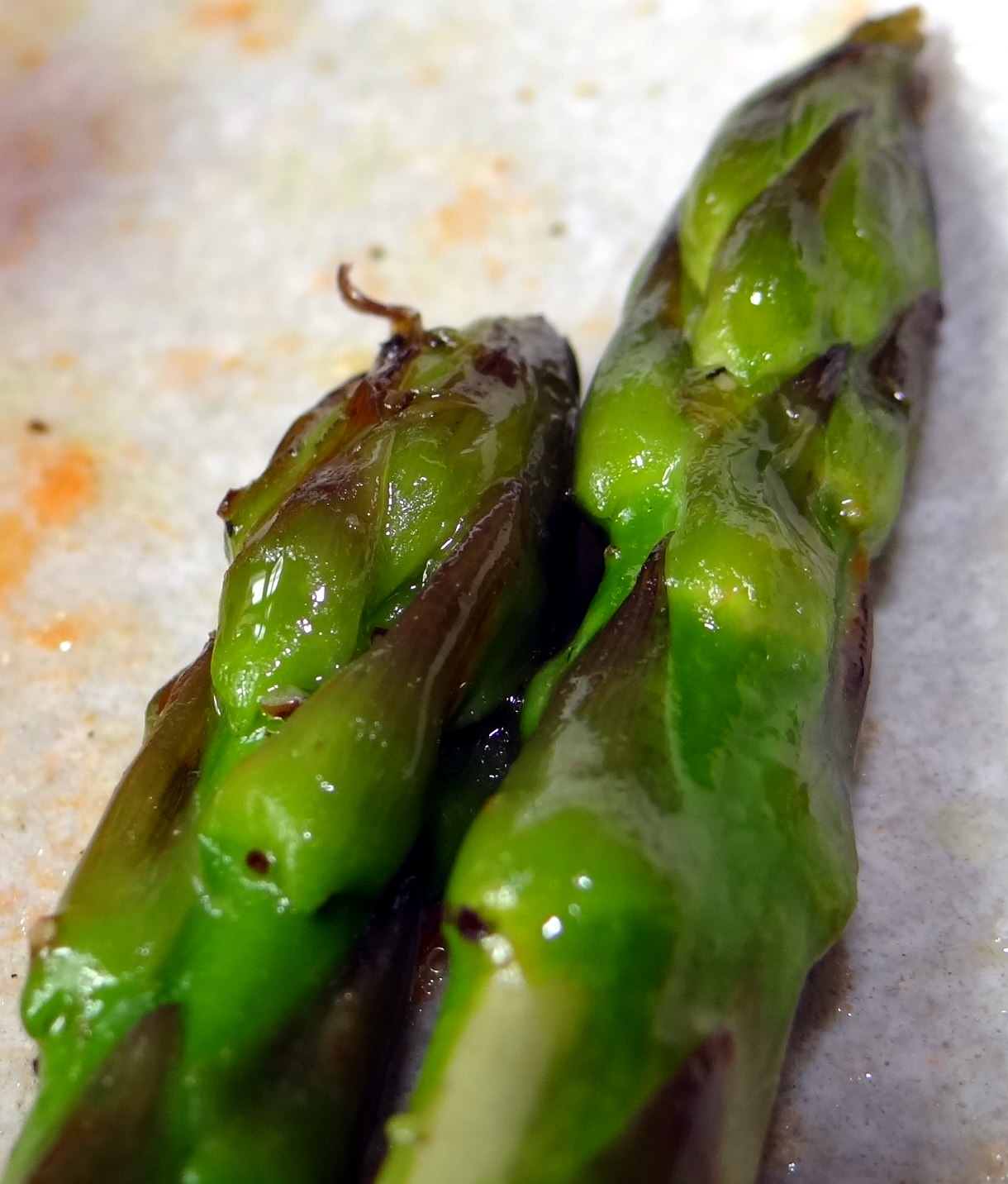 Grüner Spargel,Pellkartoffeln,Gurkensalat (18)