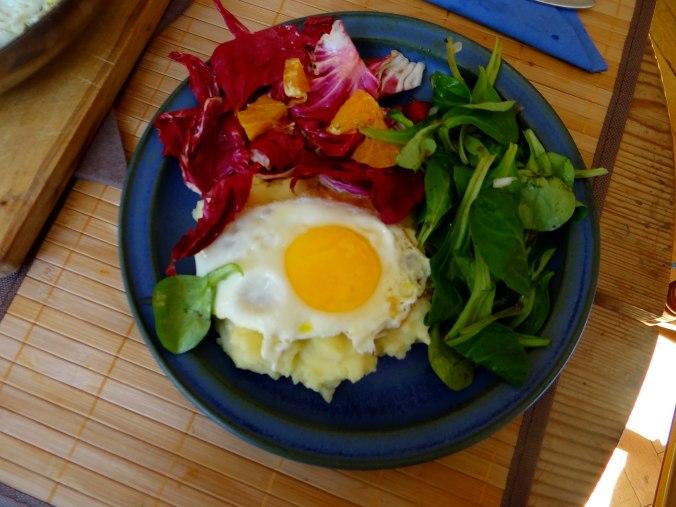 Kartoffelbrei,Salate,Spiegelei (3)