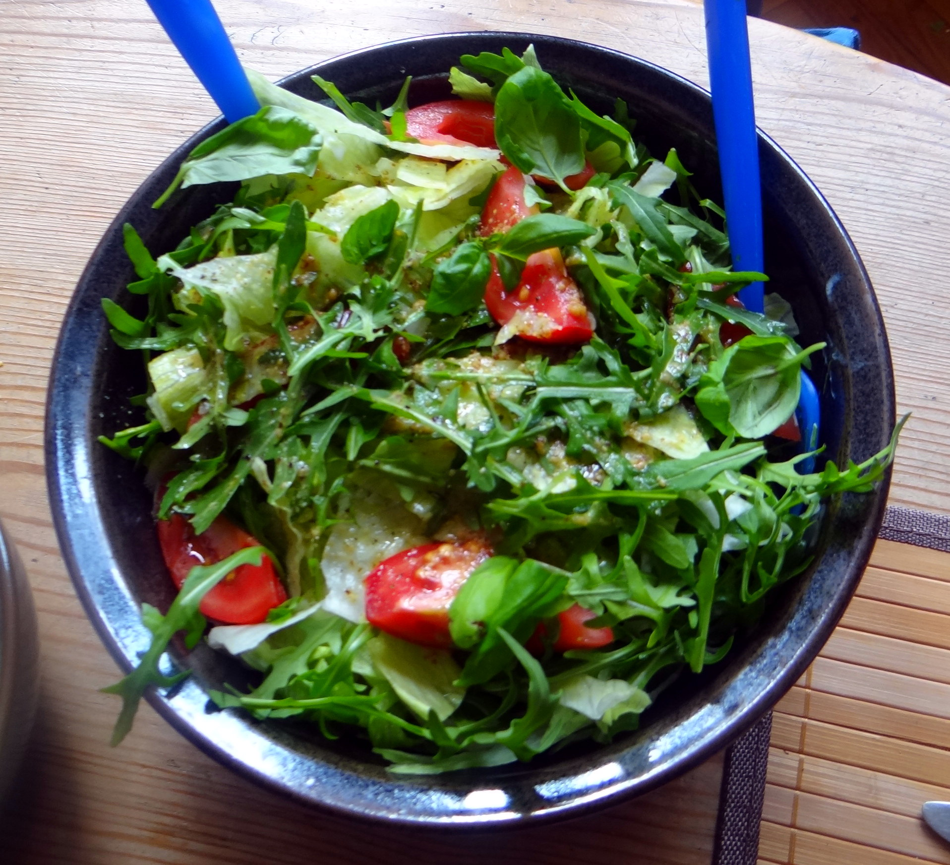 Muschelnudeln,Gorgonzolasauce,Salate (8)