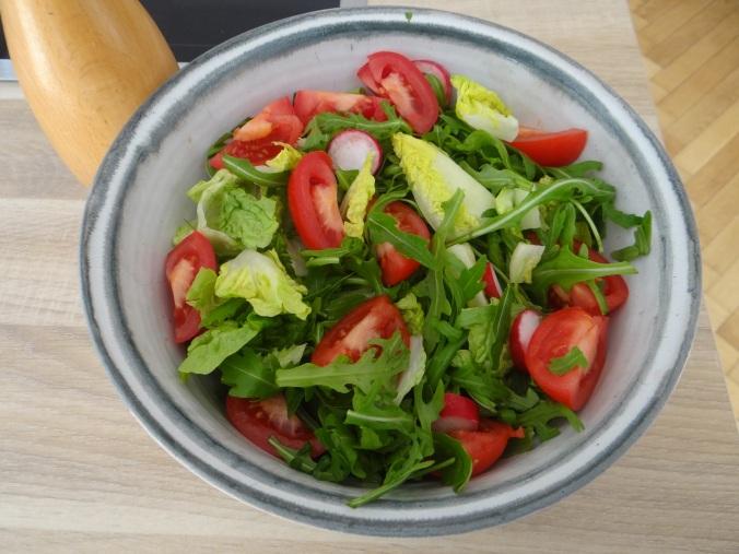 Pastinaken-Kartoffelstampf,Bleichsellerie Gemüse,Salat,Spiegelei (16)