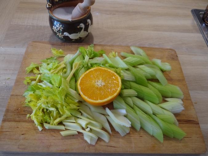 Pastinaken-Kartoffelstampf,Bleichsellerie Gemüse,Salat,Spiegelei (5)