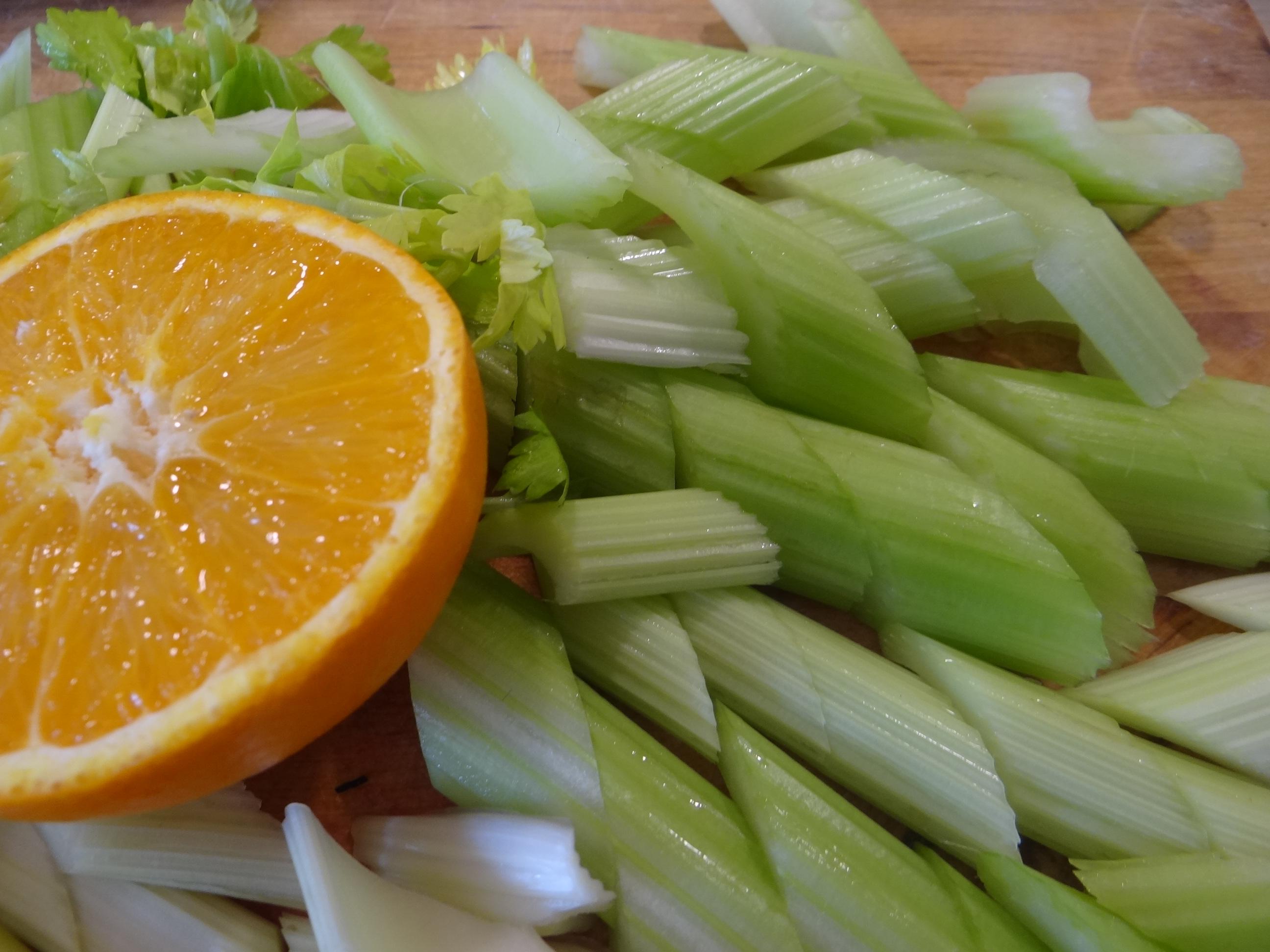 Pastinaken-Kartoffelstampf,Bleichsellerie Gemüse,Salat,Spiegelei (7)