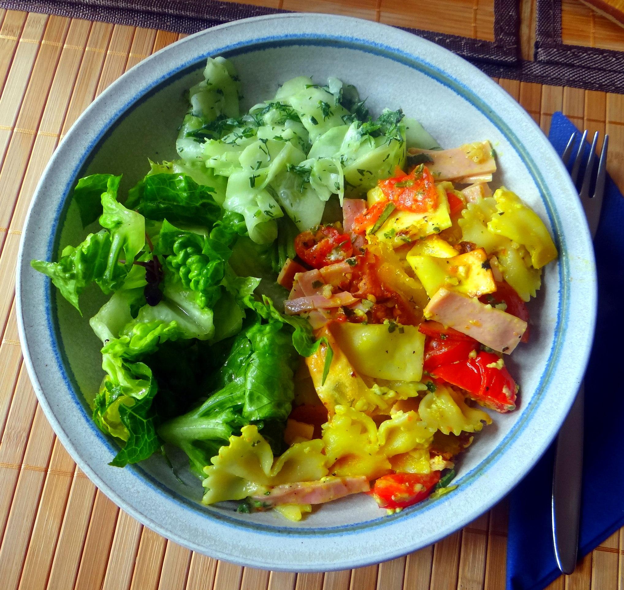 Resteessen,Gurkensalat,Romasalat (1)