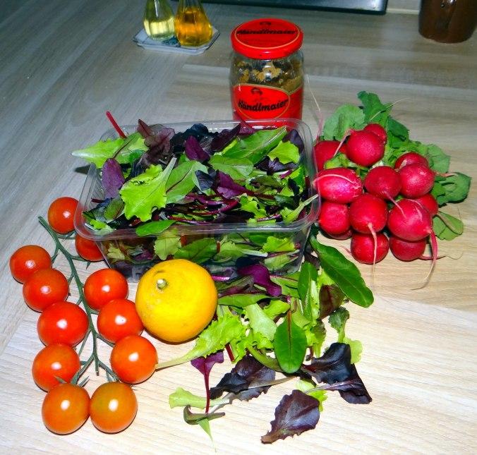 Rotbarsch,Pflücksalat,Pellkartoffeln (2)