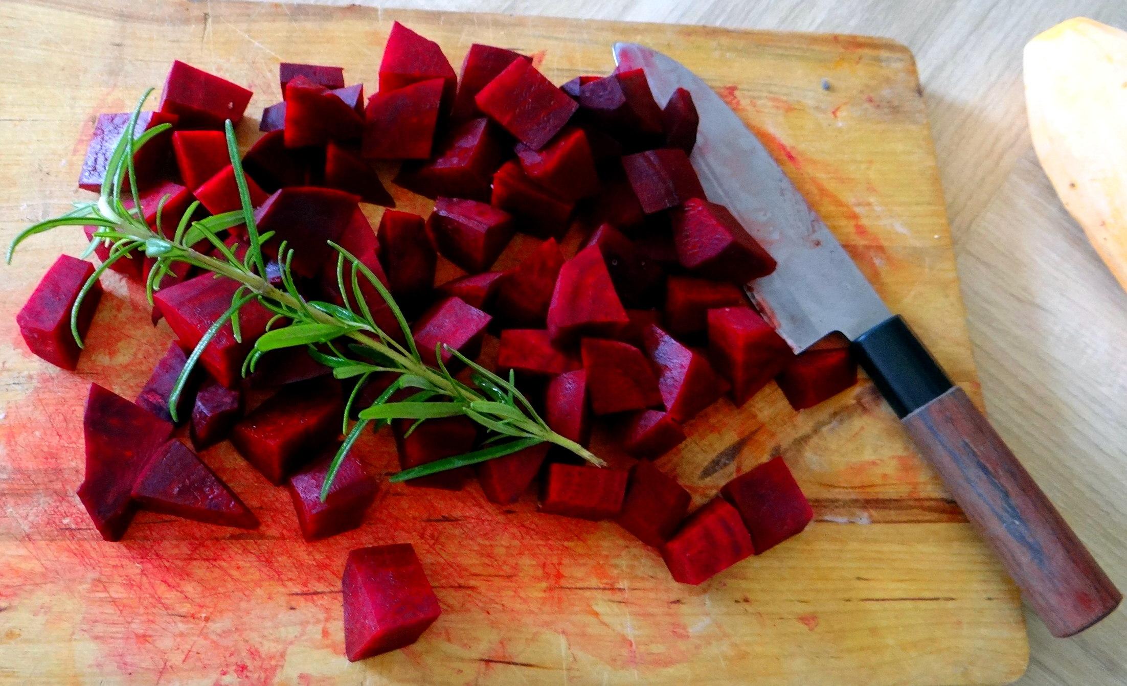 rote-beetegemuseofenkartoffelquark-dipfeldsalat-4
