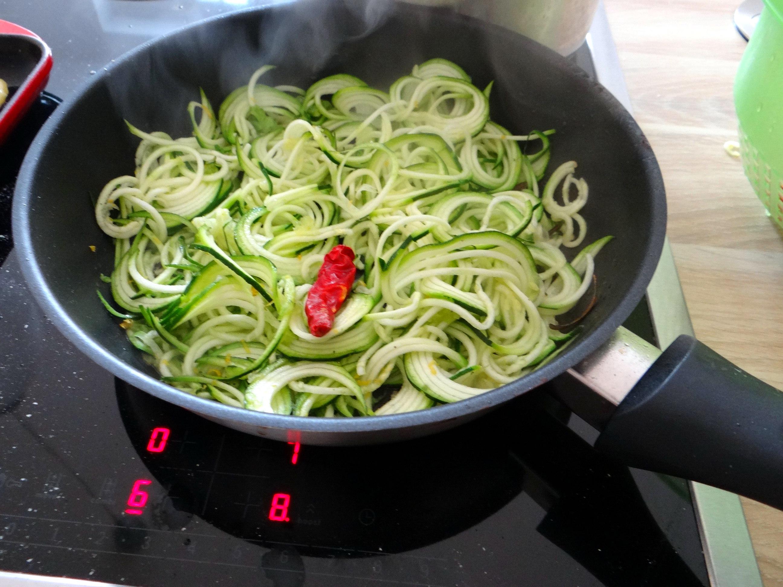 schollezucchini-spaghettitomatesalat-14