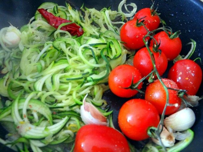 schollezucchini-spaghettitomatesalat-16