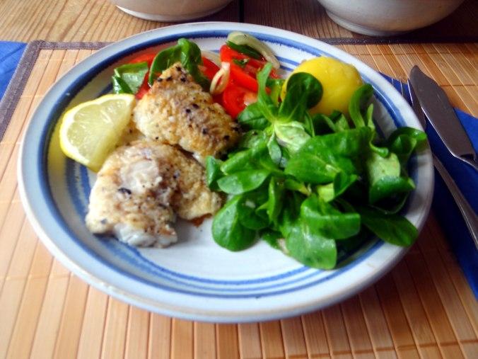 Seelachs,Tomatensalat,Feldsalat (16)