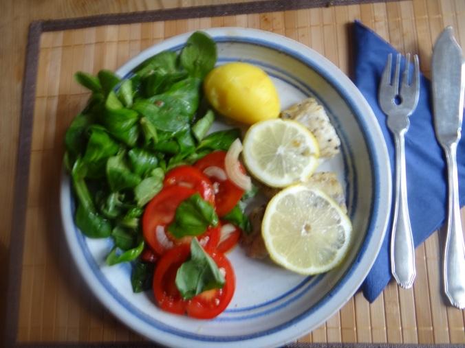 Seelachs,Tomatensalat,Feldsalat (18)