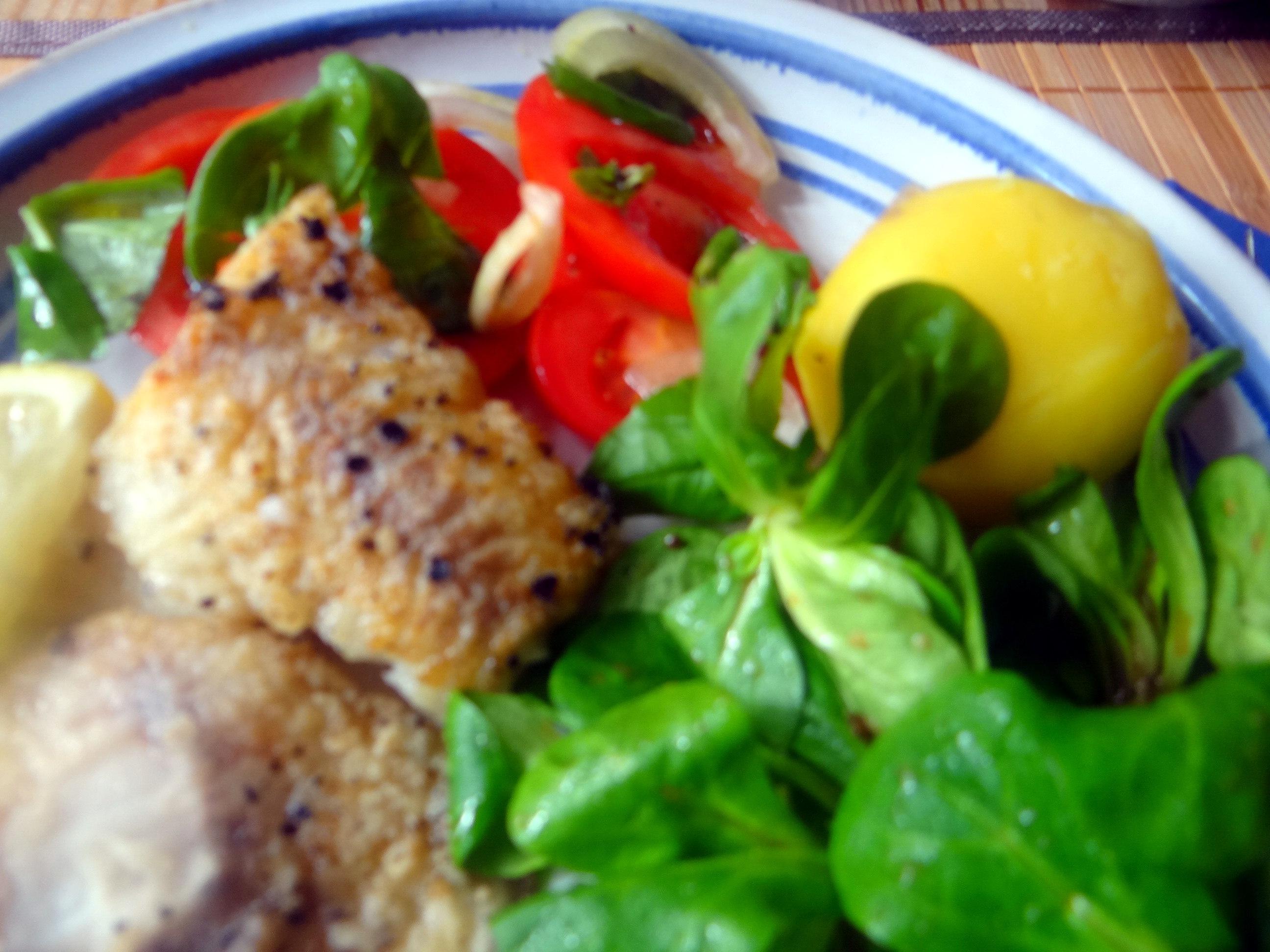 Seelachs,Tomatensalat,Feldsalat (19)