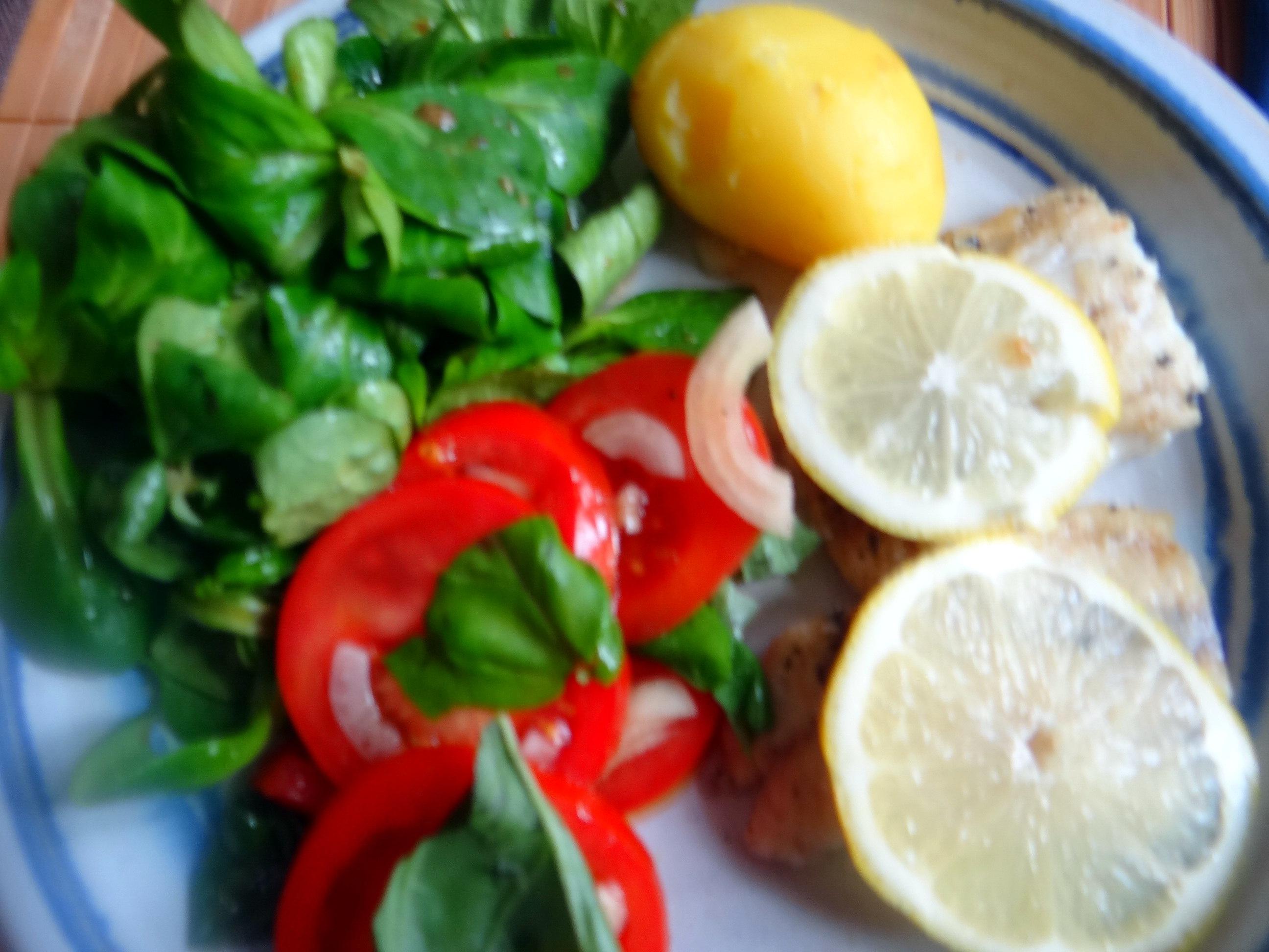 Seelachs,Tomatensalat,Feldsalat (20)