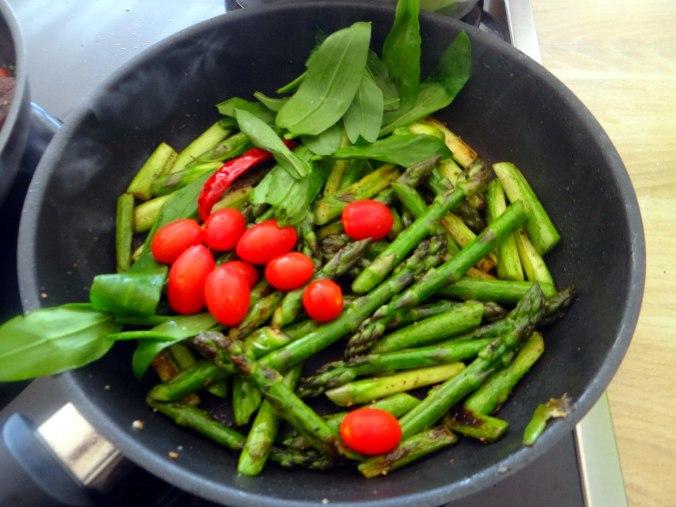 Shitake,Champignon,grüner Spargel,Pellkartoffeln,Rosins Kuchen (11)