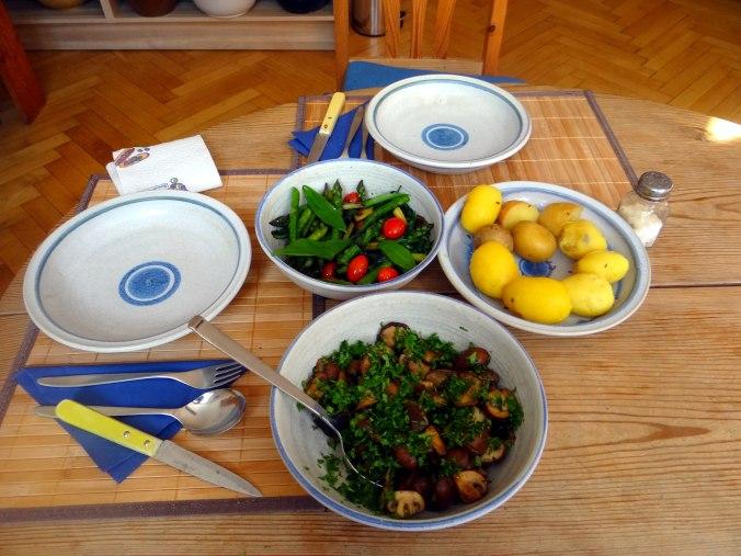 Shitake,Champignon,grüner Spargel,Pellkartoffeln,Rosins Kuchen (1c)