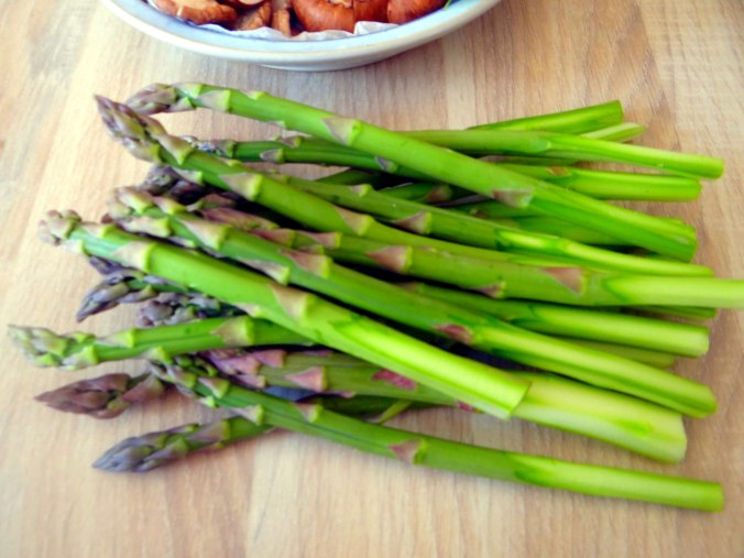 Shitake,Champignon,grüner Spargel,Pellkartoffeln,Rosins Kuchen (8)
