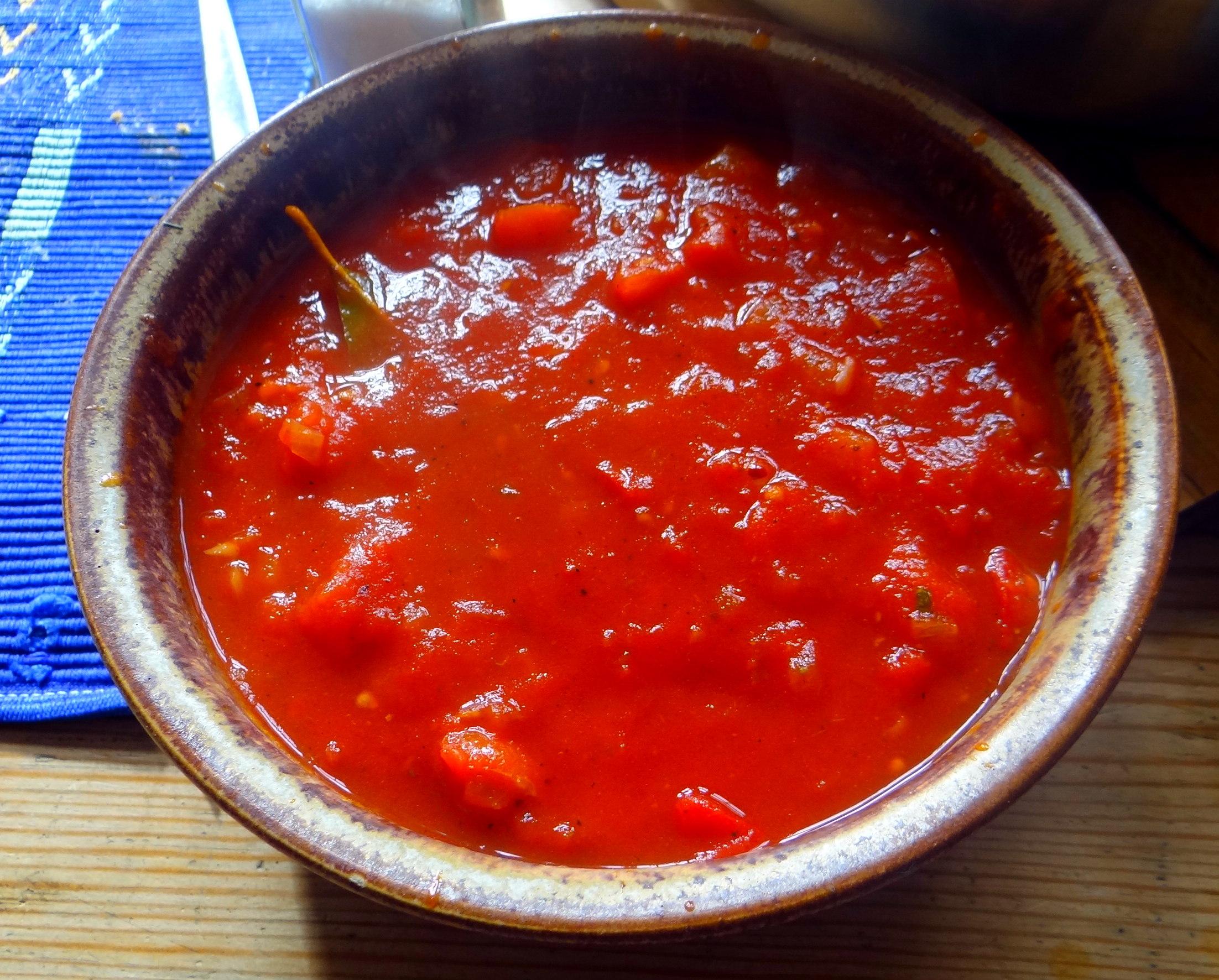 Zucchini Spaghetti mit Oliven,Tomatensoße (8)