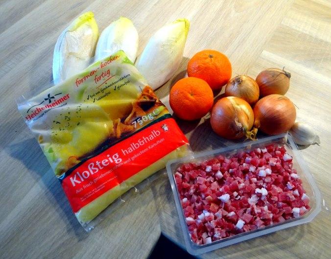 Zwiebelsoße,Klöße,Chicoreesalat (3)