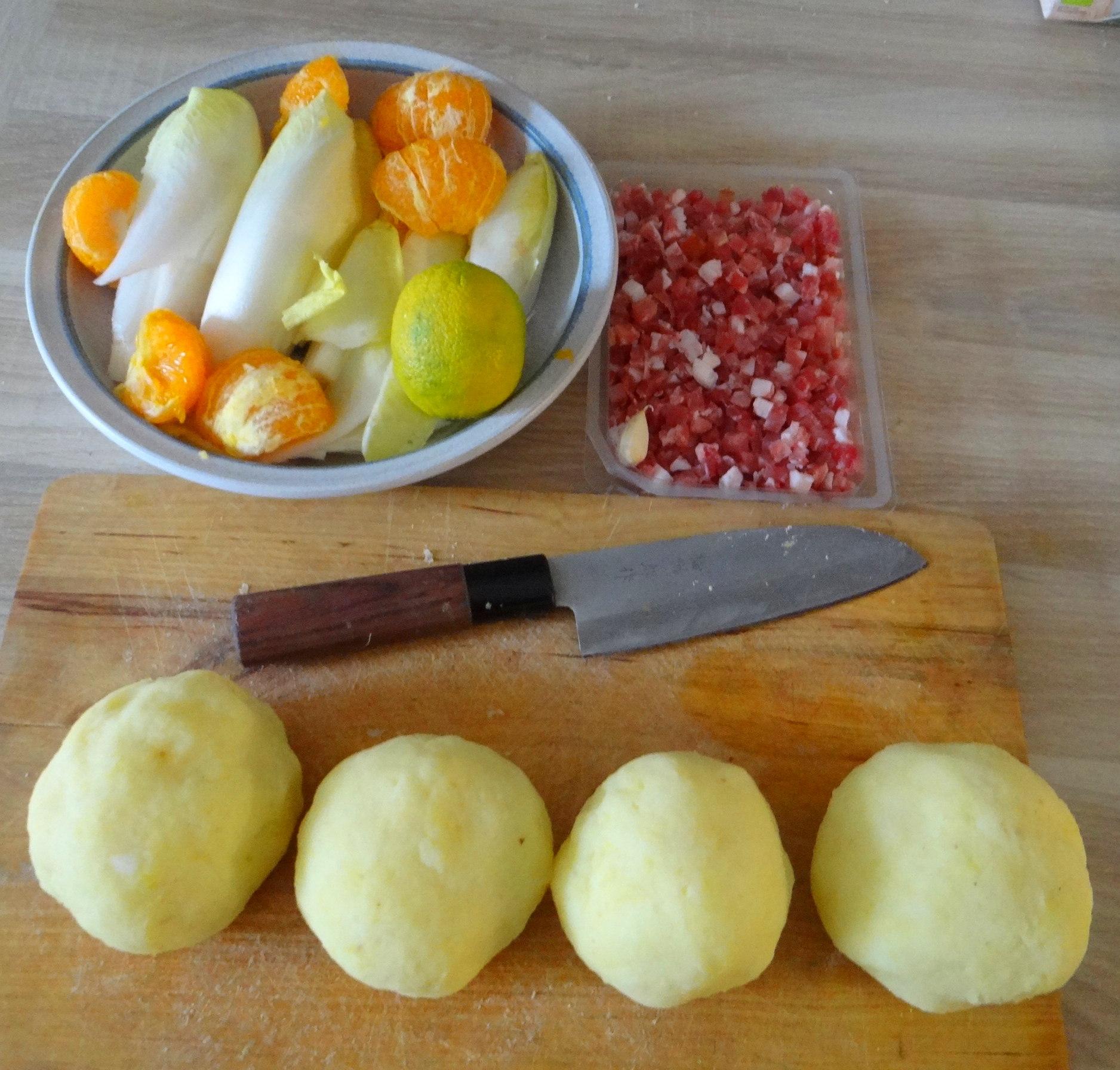 Zwiebelsoße,Klöße,Chicoreesalat (6)