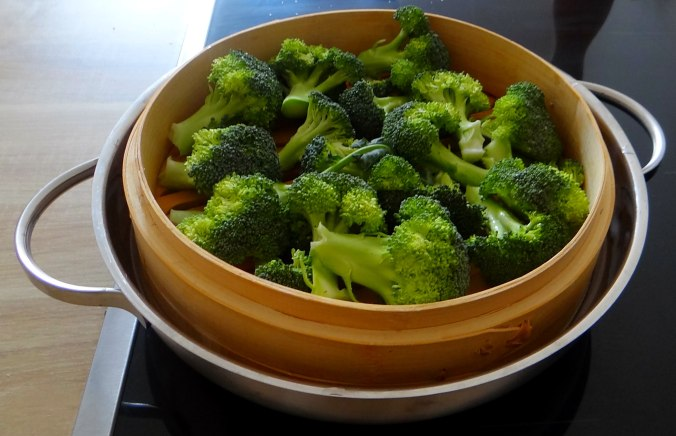 Brokkoli mit Erdnüssen und Glasnudeln (11)