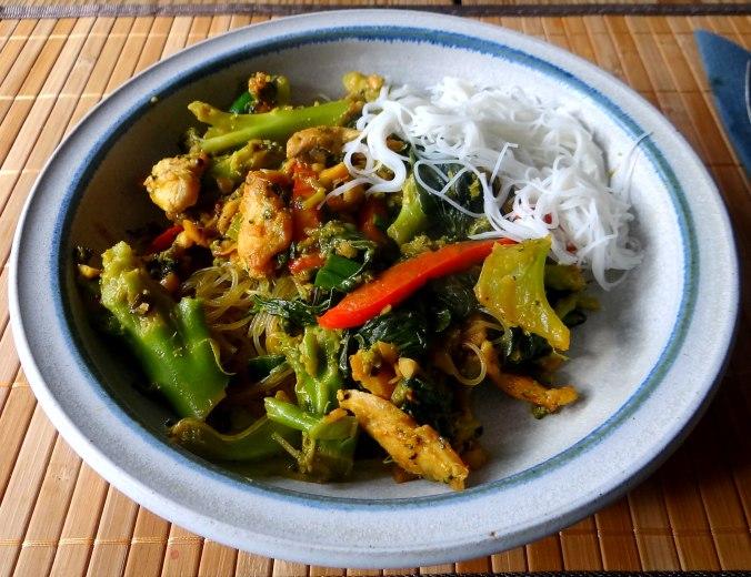 Brokkoli mit Erdnüssen und Glasnudeln (2)