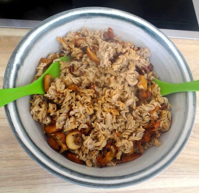 Buchweizen Spirelli,Pimientos,Gurkensalat (13)