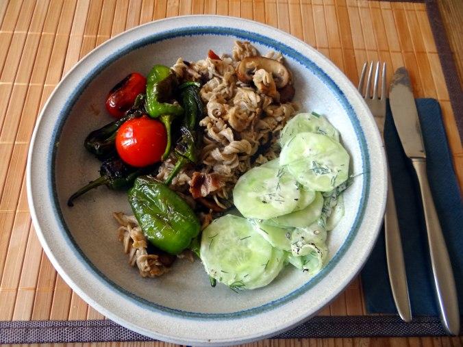 Buchweizen Spirelli,Pimientos,Gurkensalat (16)