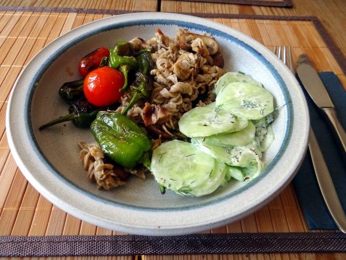 Buchweizen Spirelli,Pimientos,Gurkensalat (17)