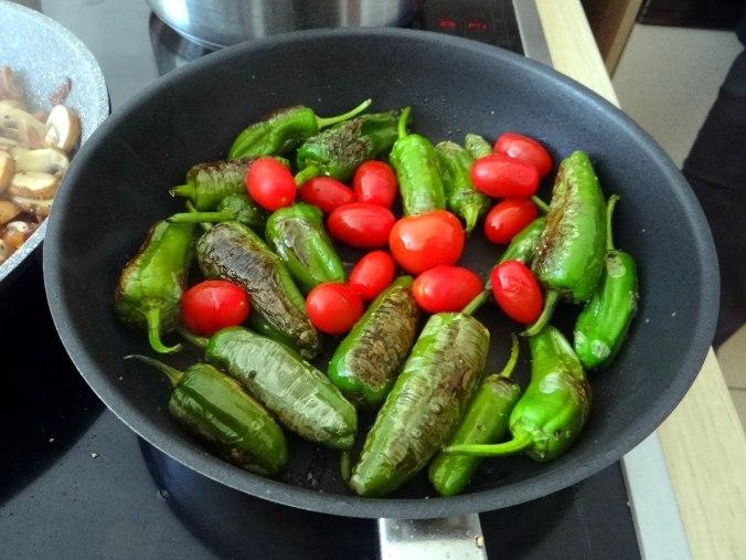 Buchweizen Spirelli,Pimientos,Gurkensalat (9)