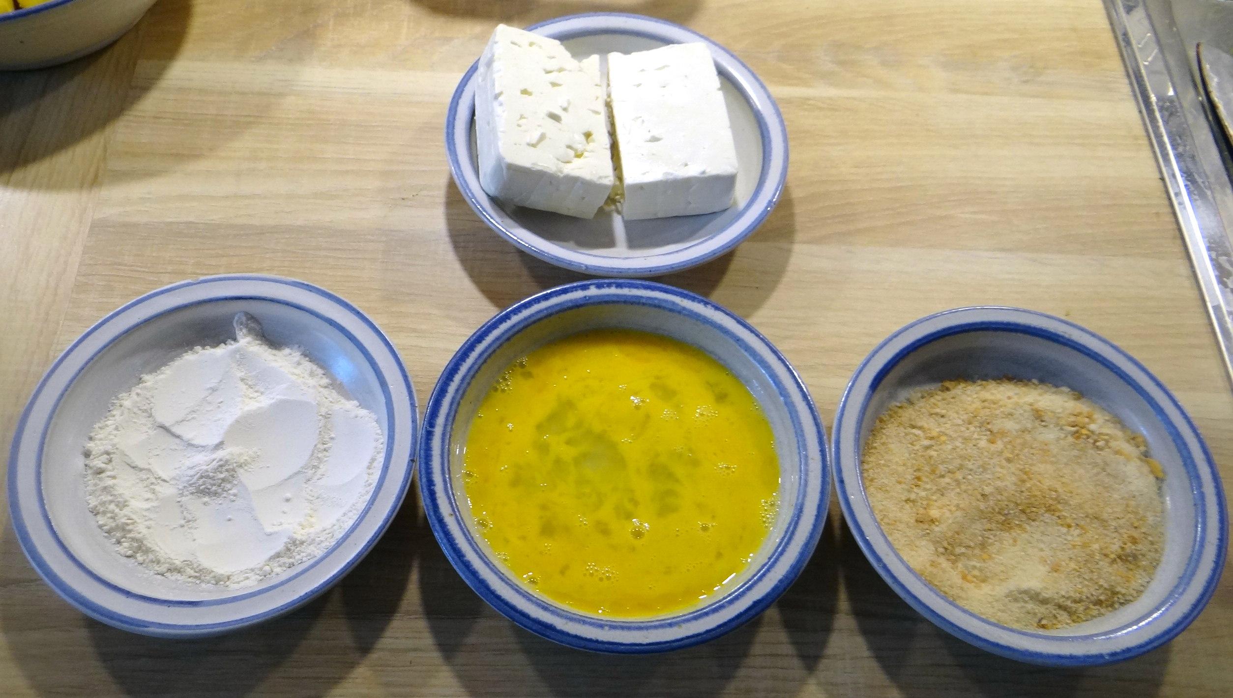 Gebackener Feta,Ofenkartoffel,Pimientos,Gurkensalat,Walleln (6)