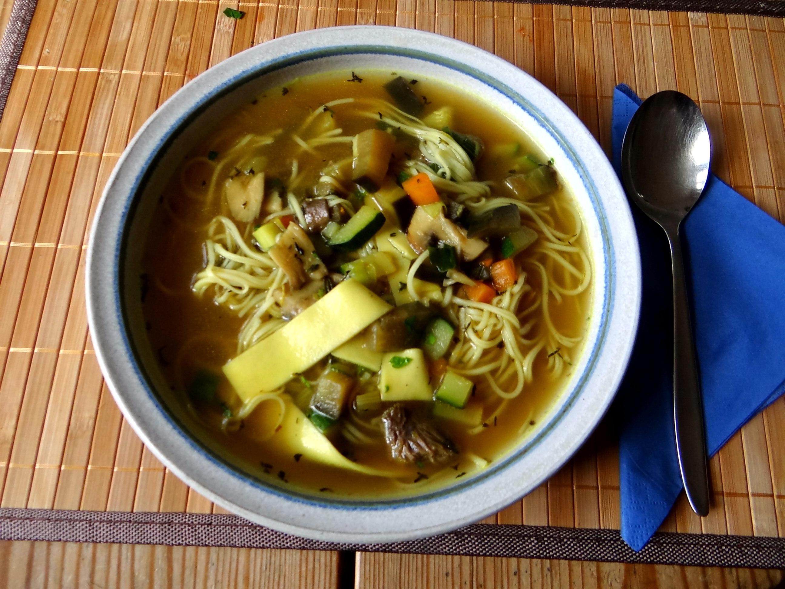 Gemüsesuppe mit Nudeln (11)