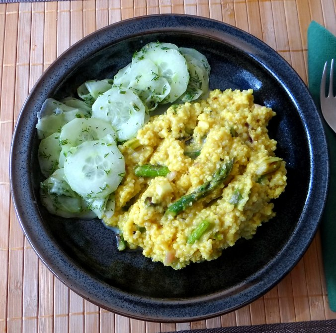 Hirsotto mit grünem Spargel,Gurkensalat (1)