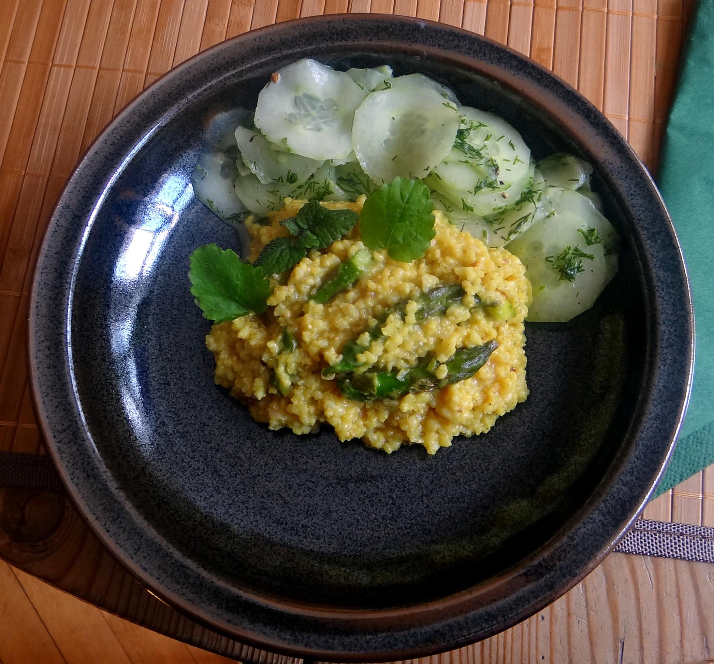 Hirsotto mit grünem Spargel,Gurkensalat (15)