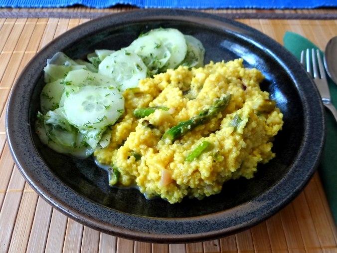 Hirsotto mit grünem Spargel,Gurkensalat (16)