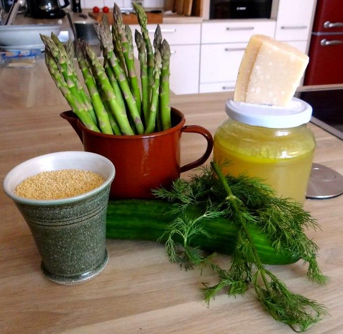 Hirsotto mit grünem Spargel,Gurkensalat (5)