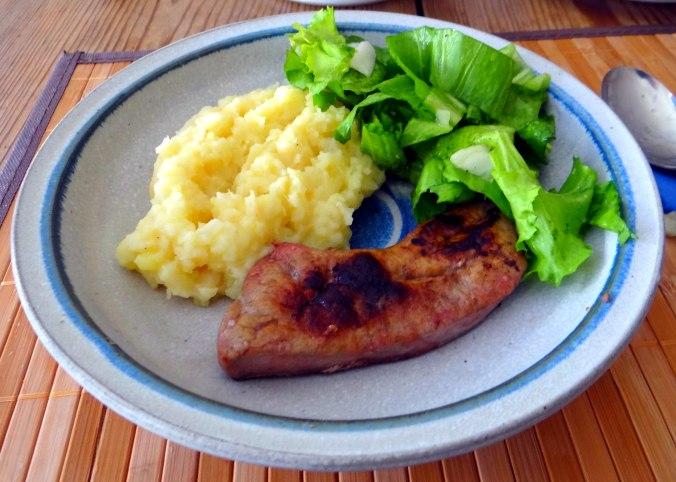 Kartoffel-Pastinaken Stampf,Kalbsleber,Spargel,pochiertes Ei,Endivien Salat (13)