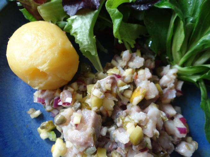 Matjes Tatar,Salate,Pellkartoffeln (17)