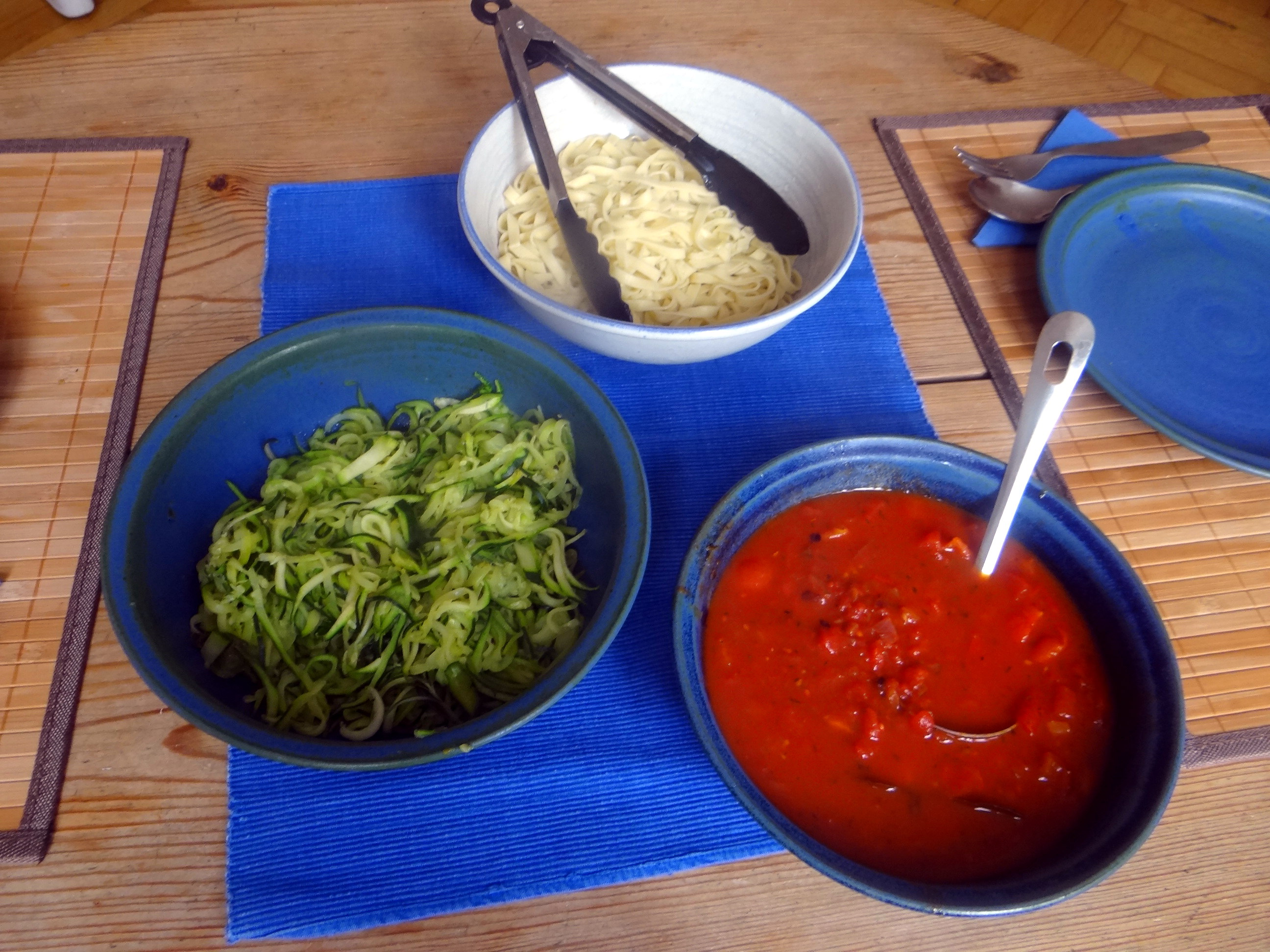 Nudeln,Zucchini Nudeln,Tomaten Soße (14)