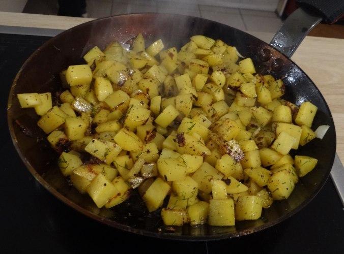 Rohgebratene Kartoffeln,Möhrensalat,Rote Bete Salat (14)