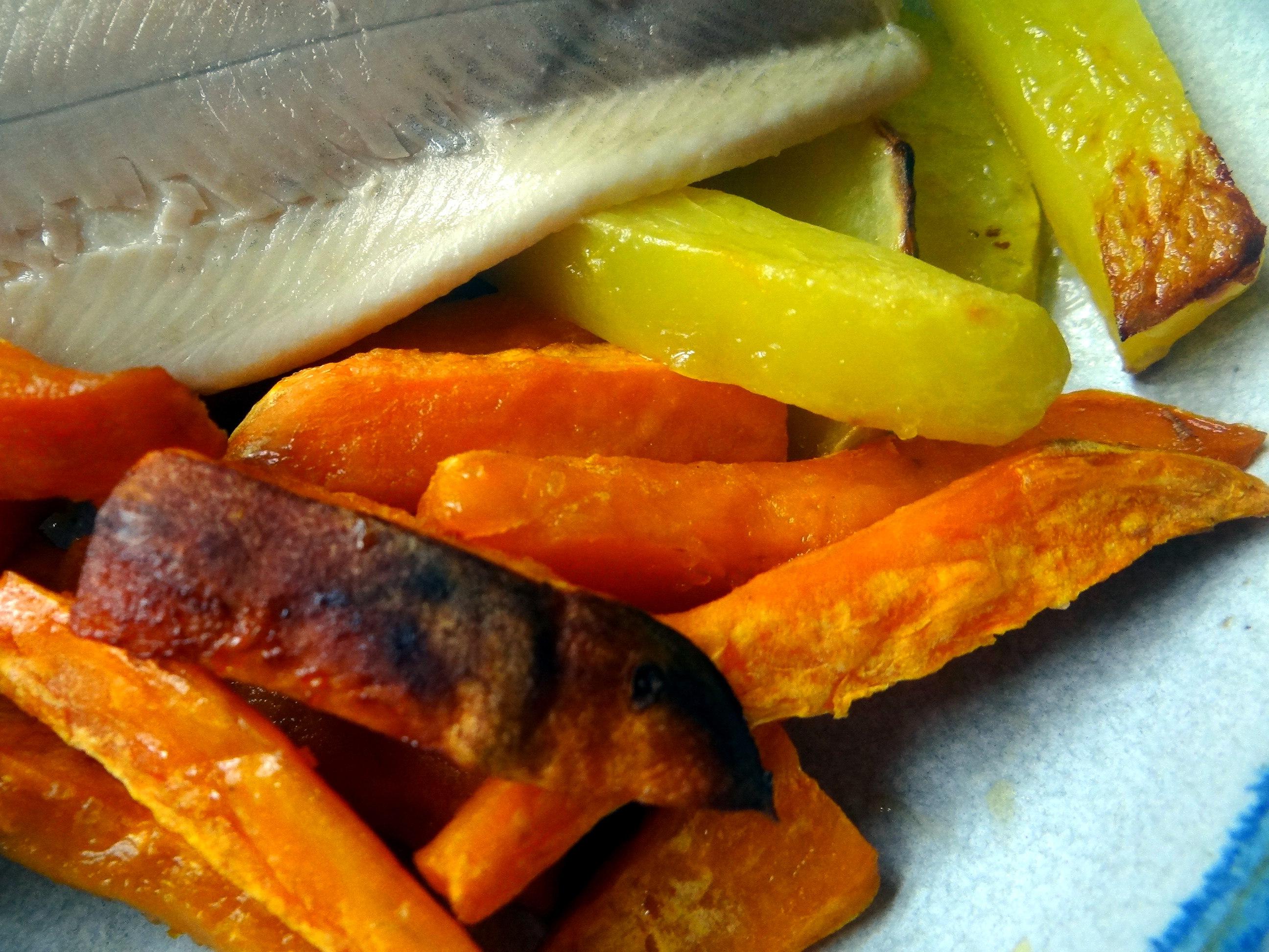 Süßkartoffel Pommes,Salate,Obszsalat (3)
