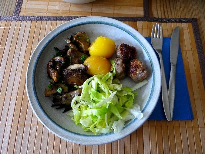 Shitake,Champignon,Hackbällchen,Eisbergsalat (12)
