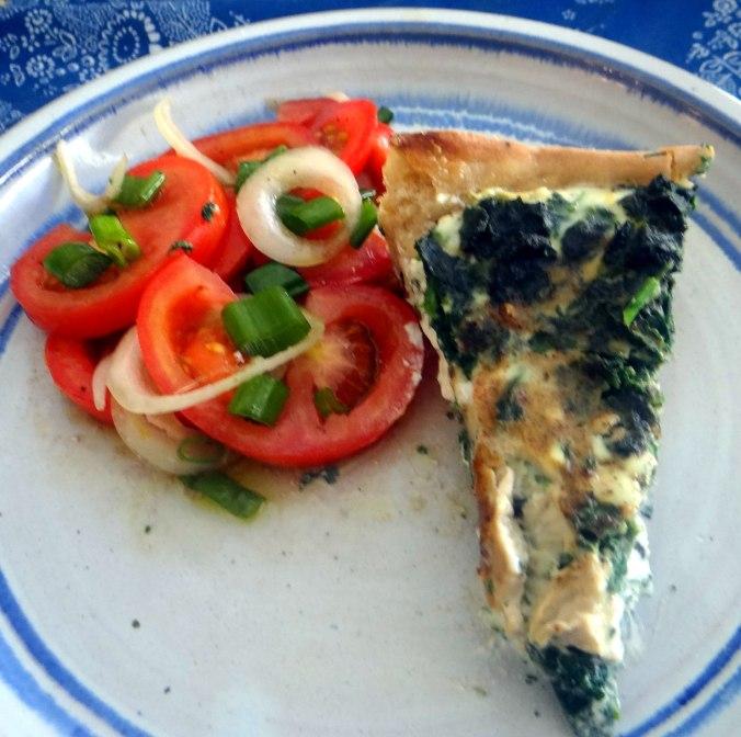 Brennessel Pizza- Quiche-Tarte,Tomatensalat(1)