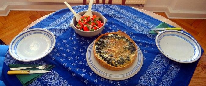 Brennessel Pizza- Quiche-Tarte,Tomatensalat(3)