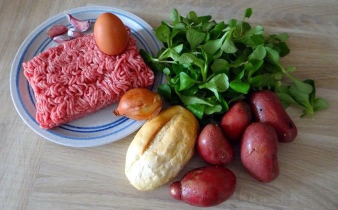 Frikadelle,Champignon,Gurkensalat,Feldsalat,Erdbeeren (5)