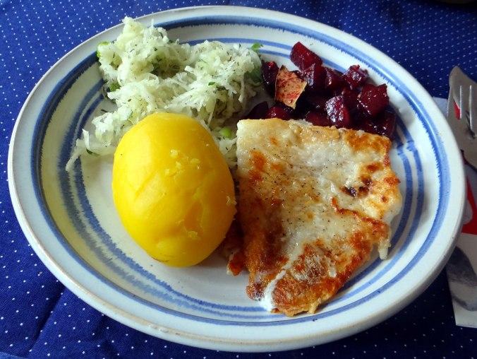 Kabelja,Rote Beete Gemüse,Kohlrabisalat,Pellkartoffel (10)
