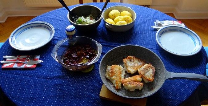 Kabelja,Rote Beete Gemüse,Kohlrabisalat,Pellkartoffel (8)
